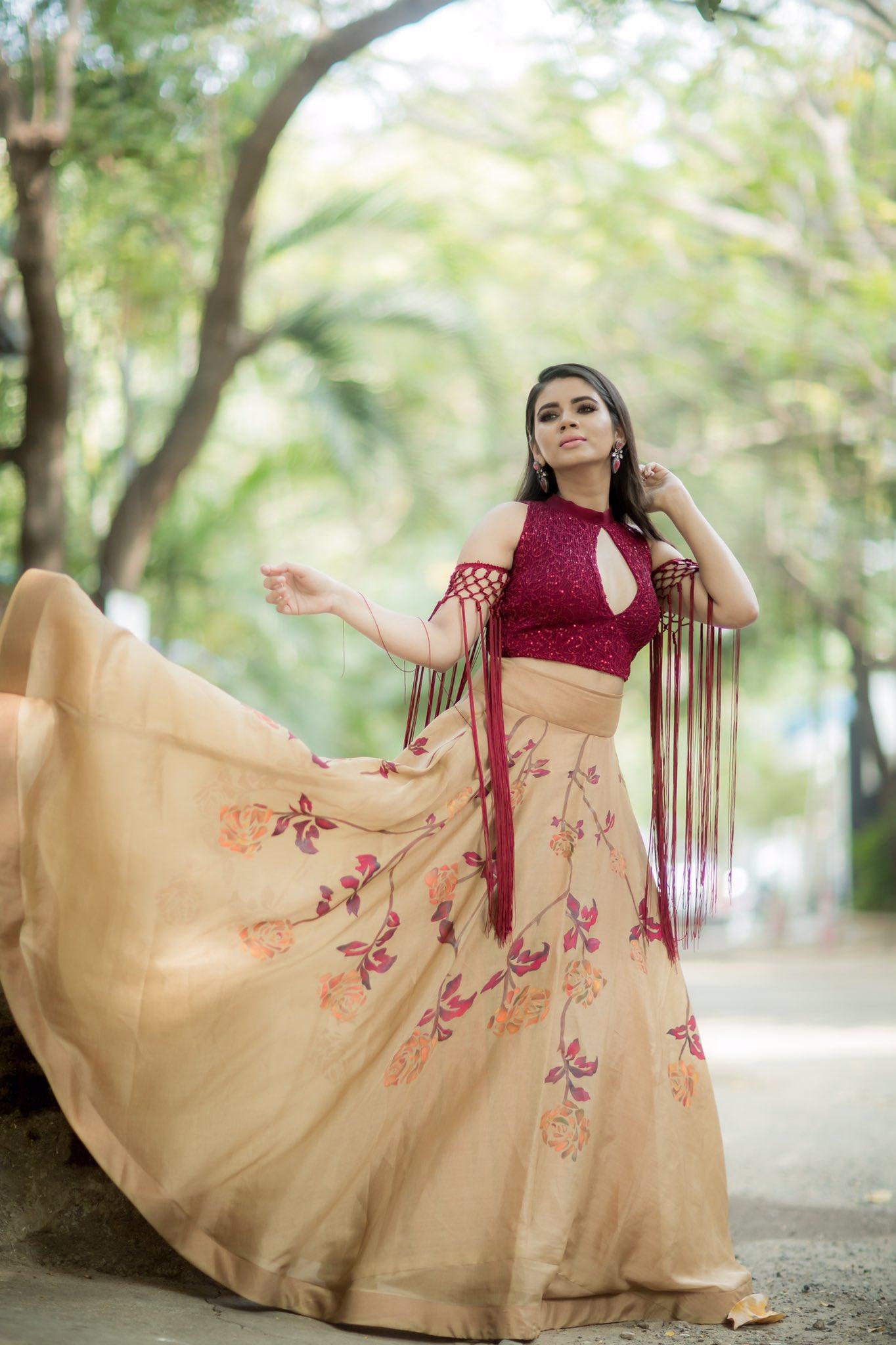 Soundariya_56