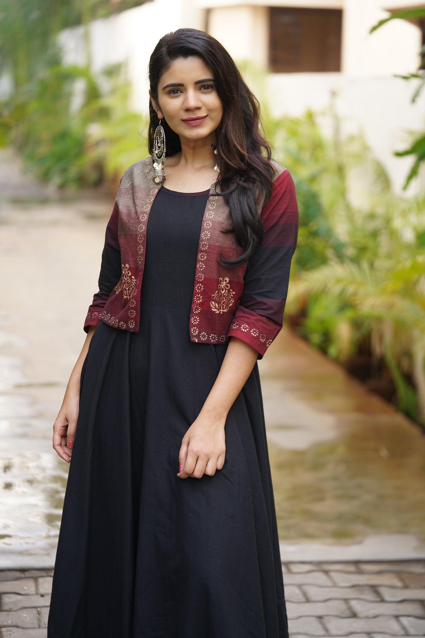 Soundariya_78