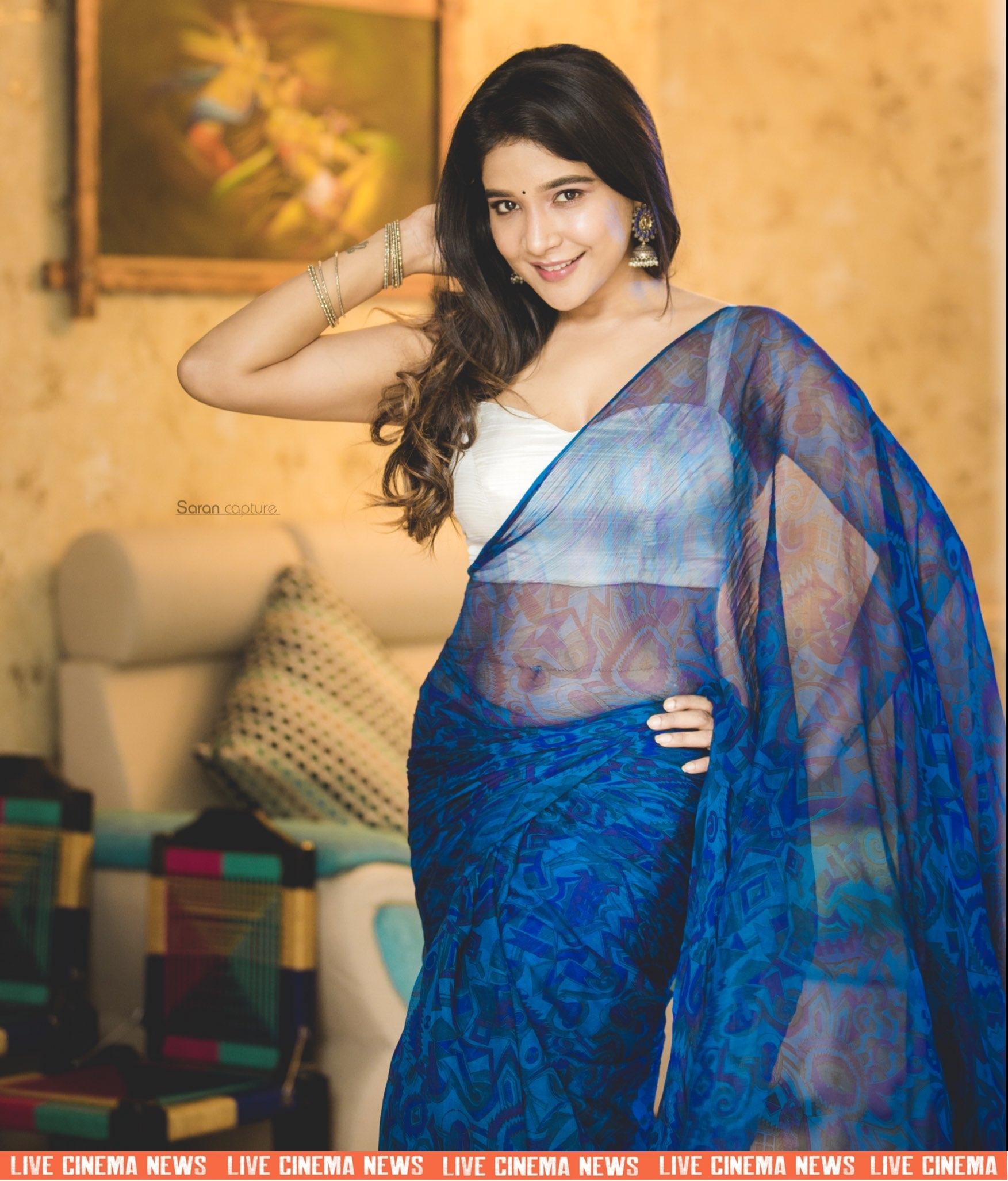 Beautiful_saree_photos_of_actress_Sakshi_Agarwal