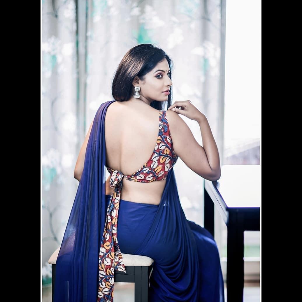 Reshma-Pasupuleti-latest-saree-photo-7