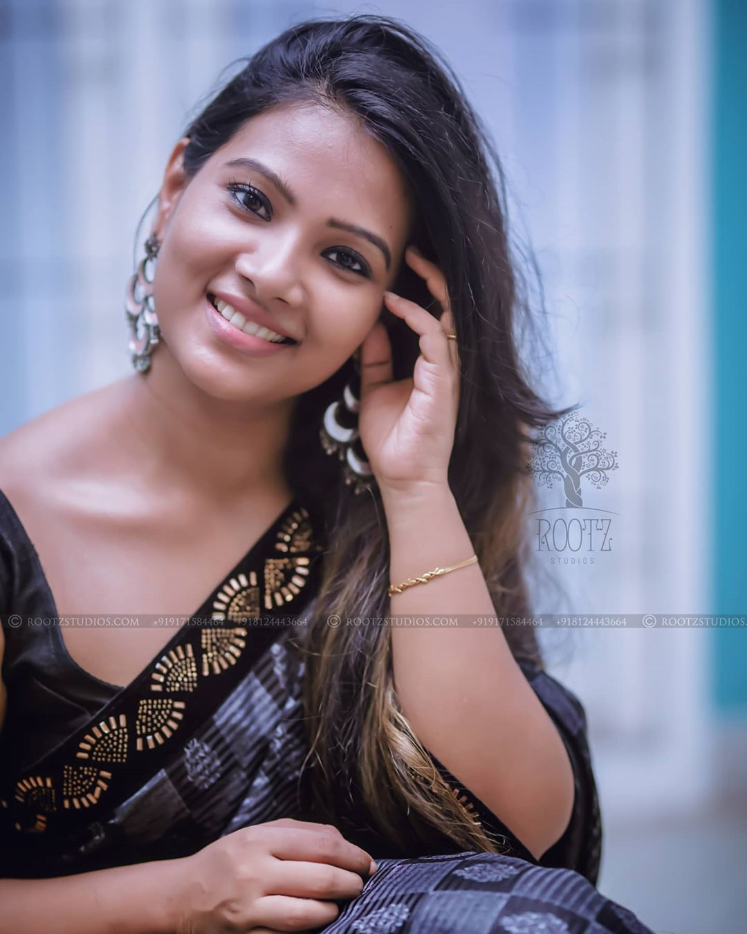 dhivya dhuraisamy homely saree photos (1)