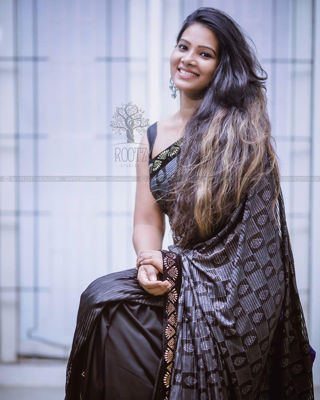 dhivya dhuraisamy homely saree photos (5)