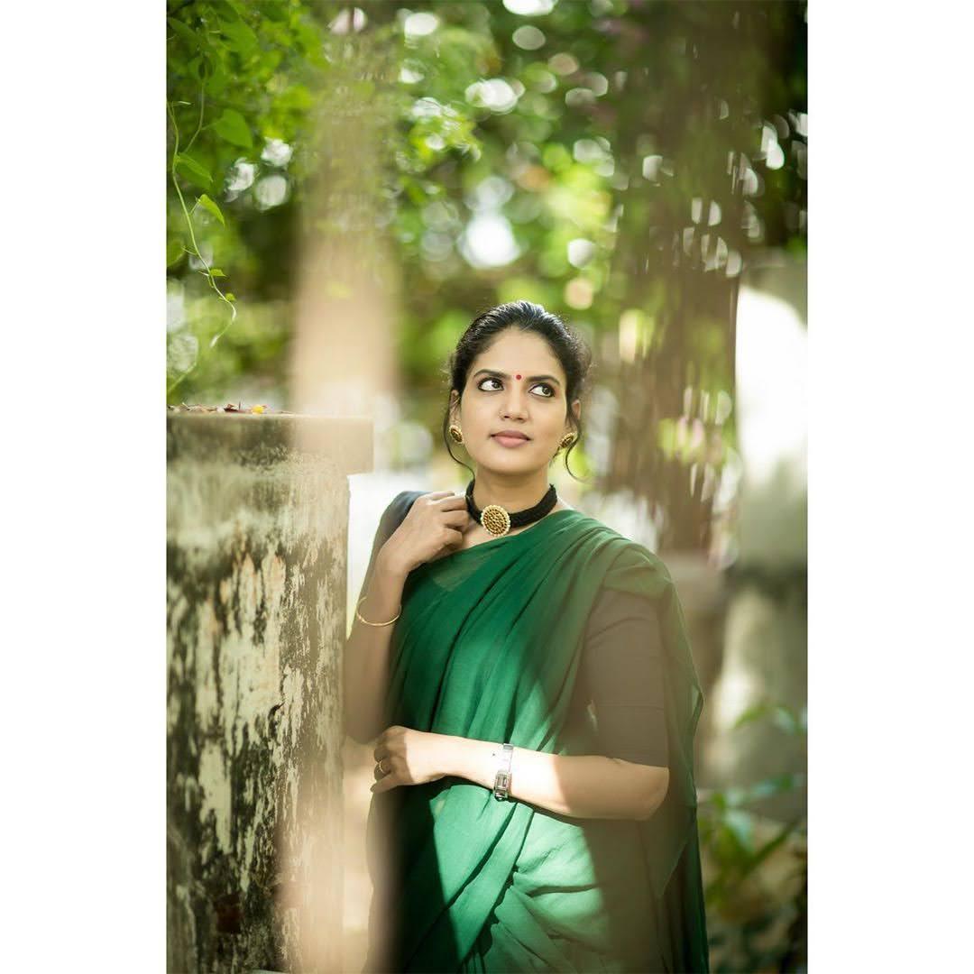 news-anchor-panimalar-100