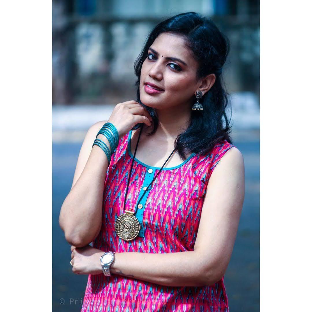 news-anchor-panimalar-101
