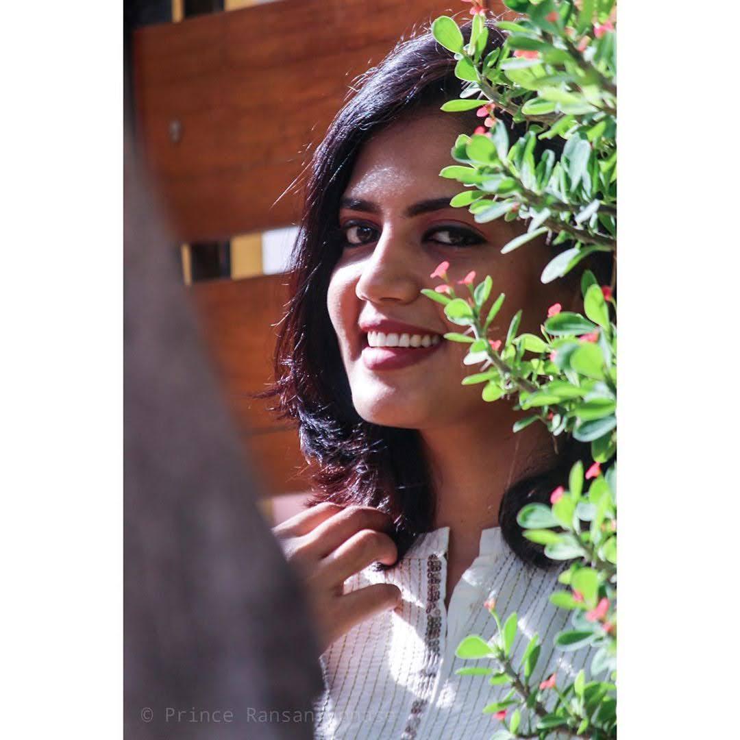 news-anchor-panimalar-106