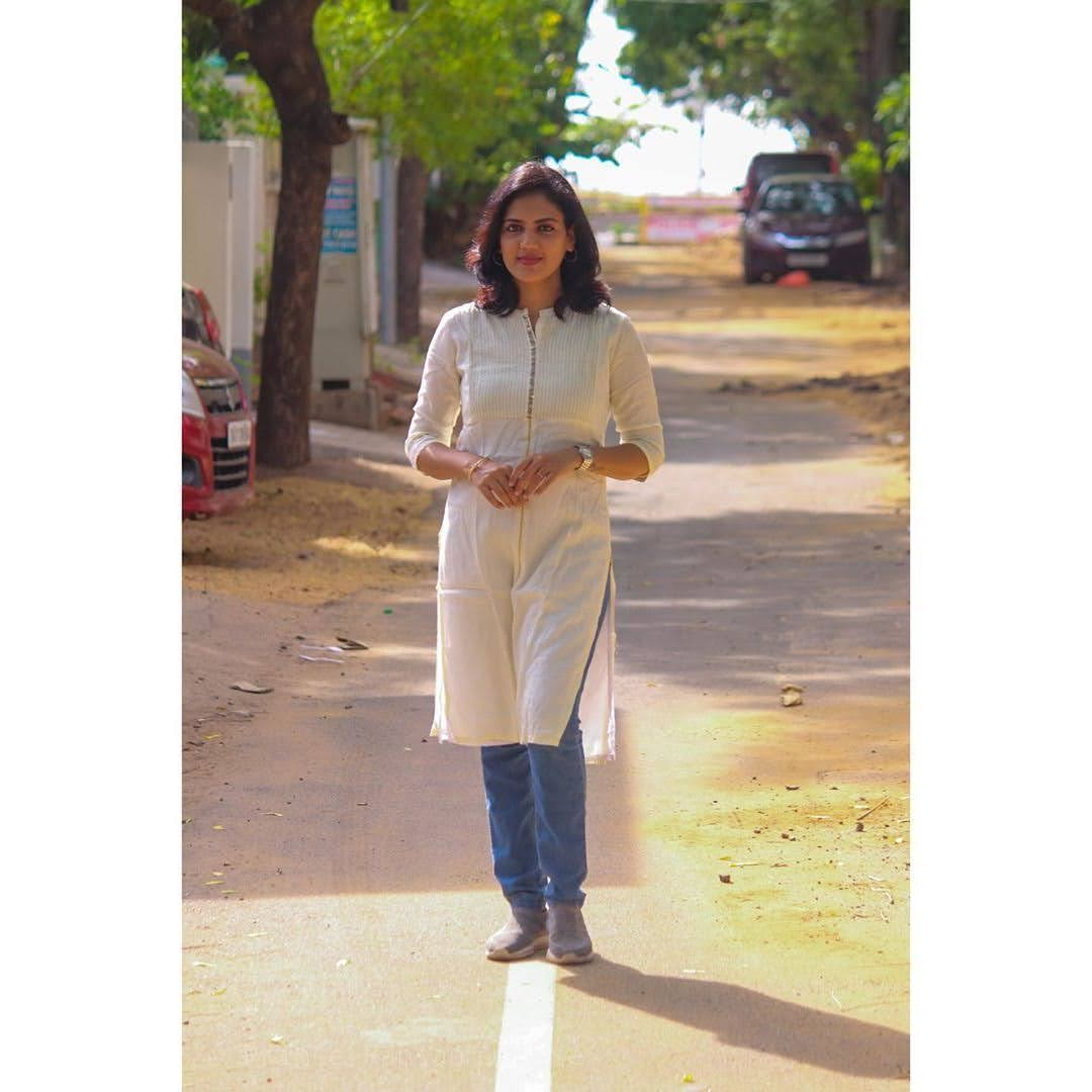 news-anchor-panimalar-107