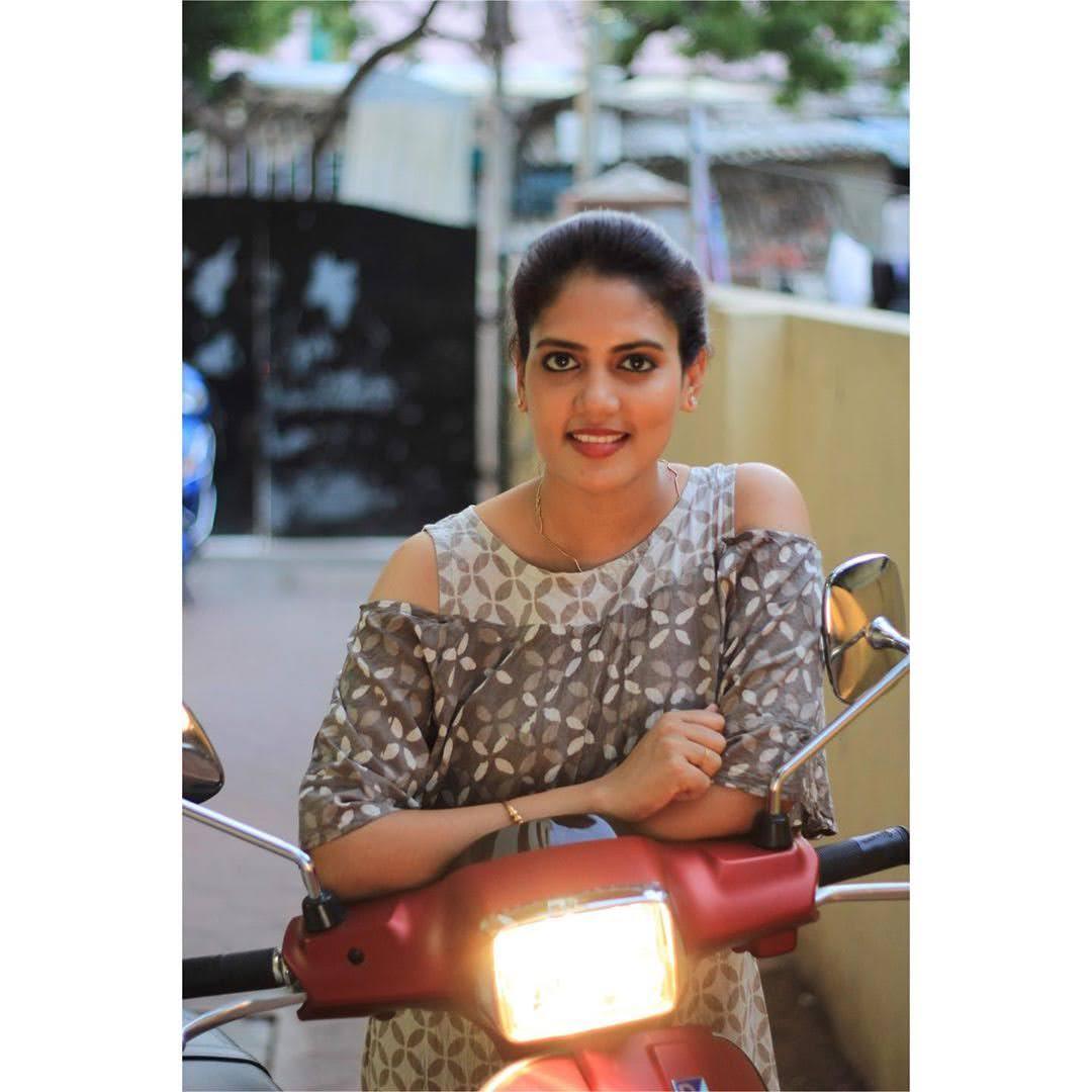 news-anchor-panimalar-17