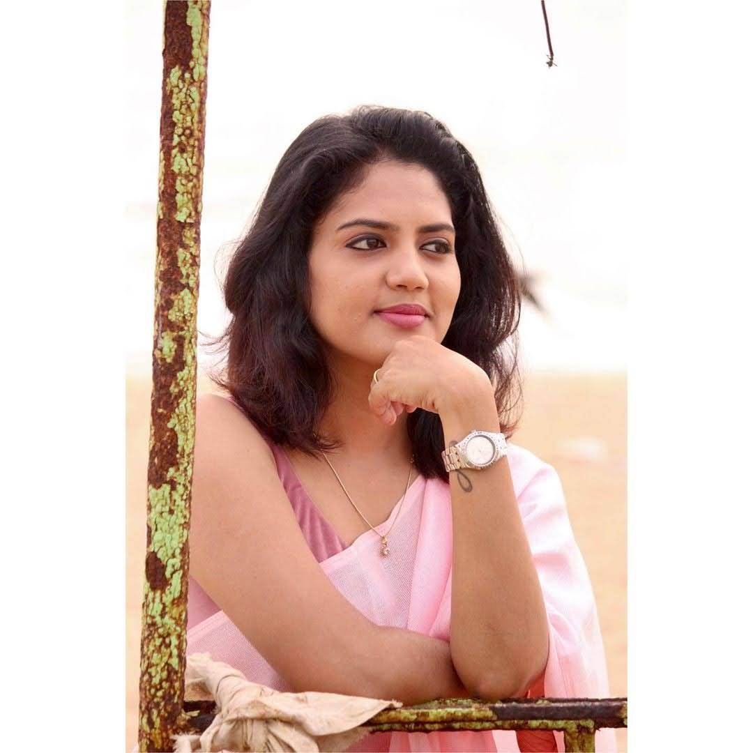 news-anchor-panimalar-32
