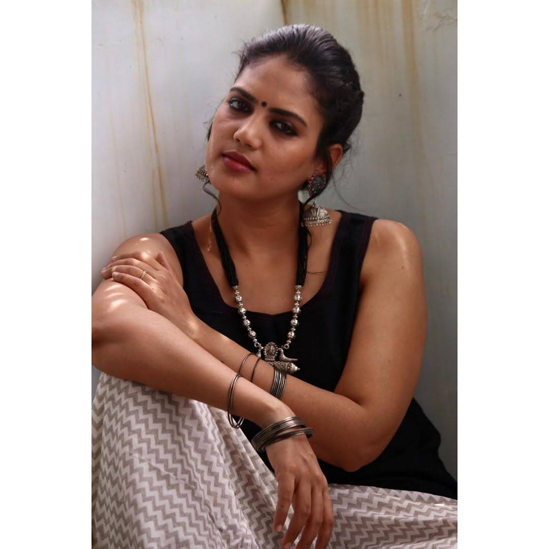 news-anchor-panimalar-47