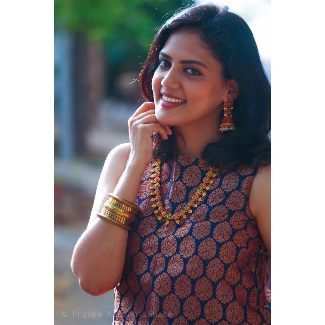 news-anchor-panimalar-55