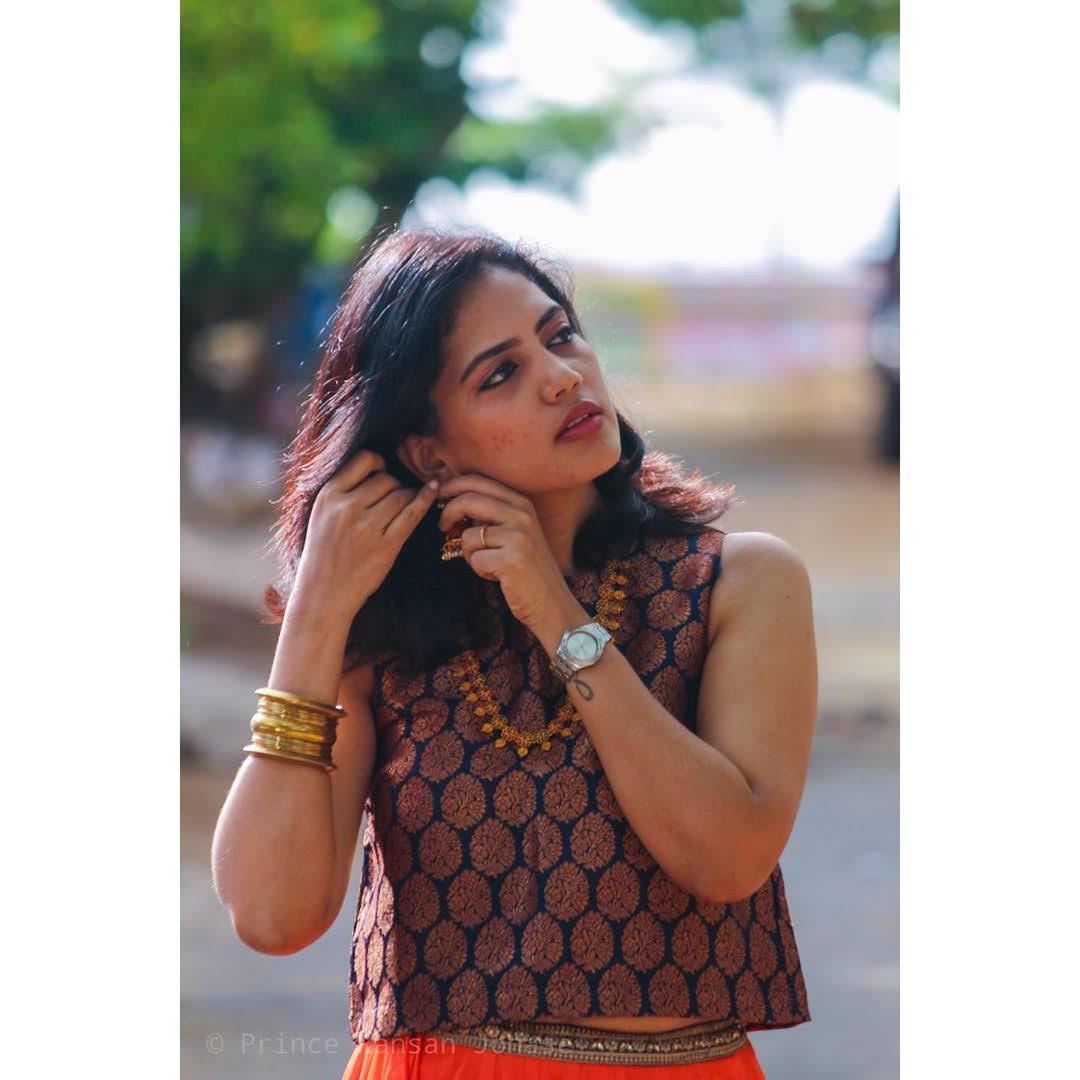 news-anchor-panimalar-57