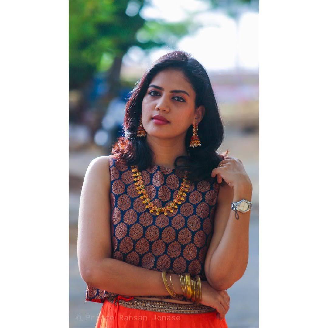 news-anchor-panimalar-60