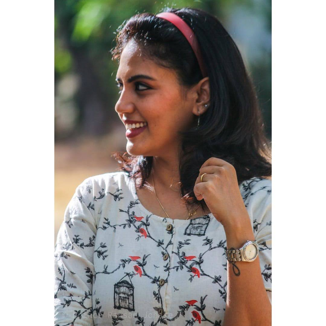 news-anchor-panimalar-61