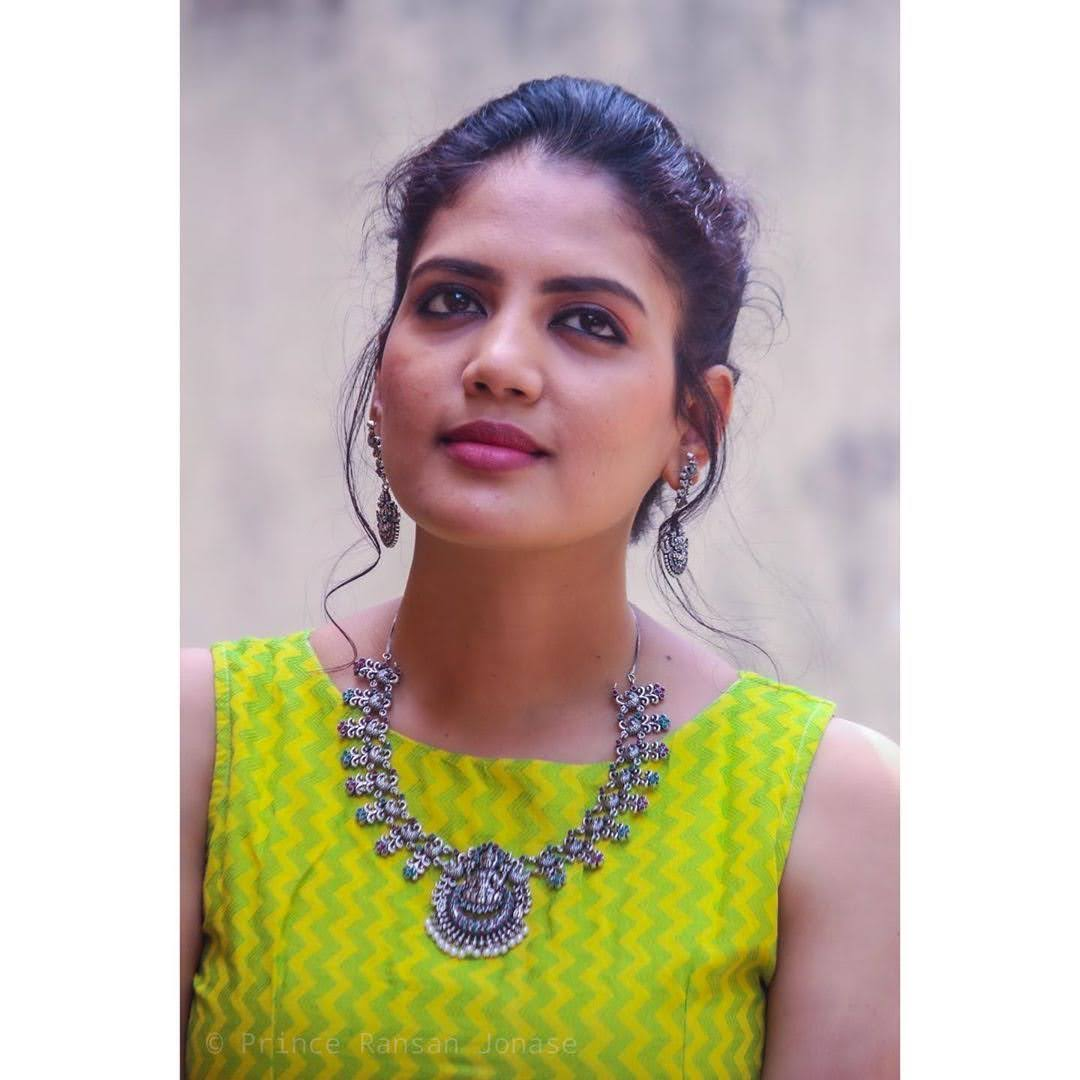 news-anchor-panimalar-68
