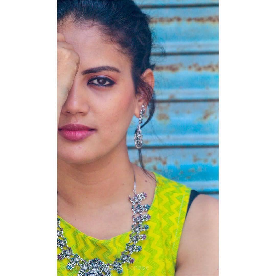news-anchor-panimalar-72