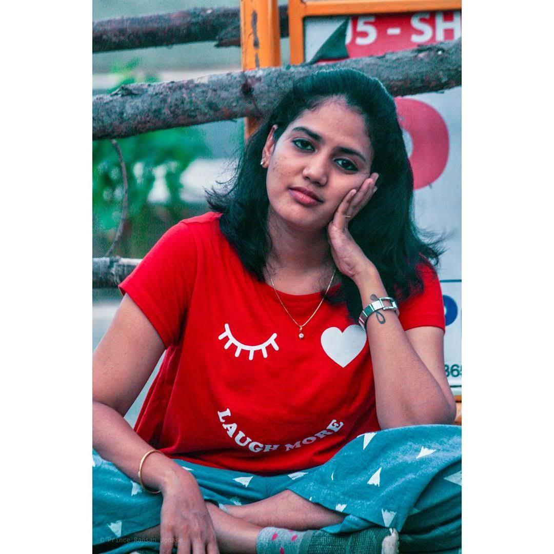 news-anchor-panimalar-77