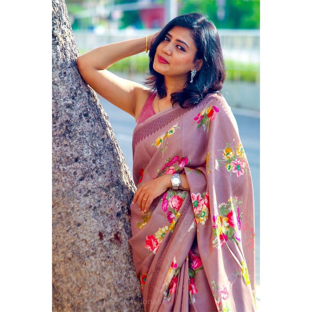 news-anchor-panimalar-85