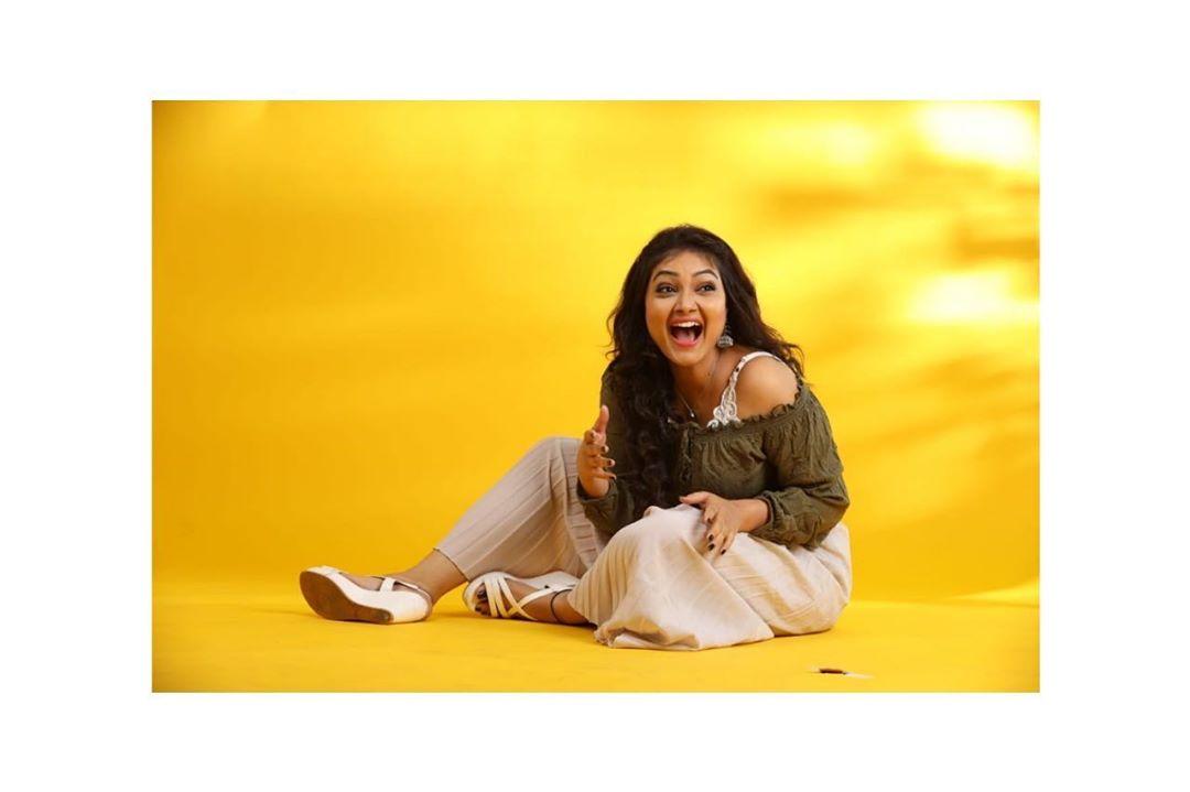 priyanka-nalkari-roja-serial-actress-1