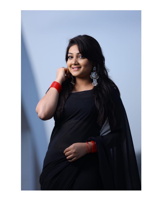 priyanka-nalkari-roja-serial-actress-13