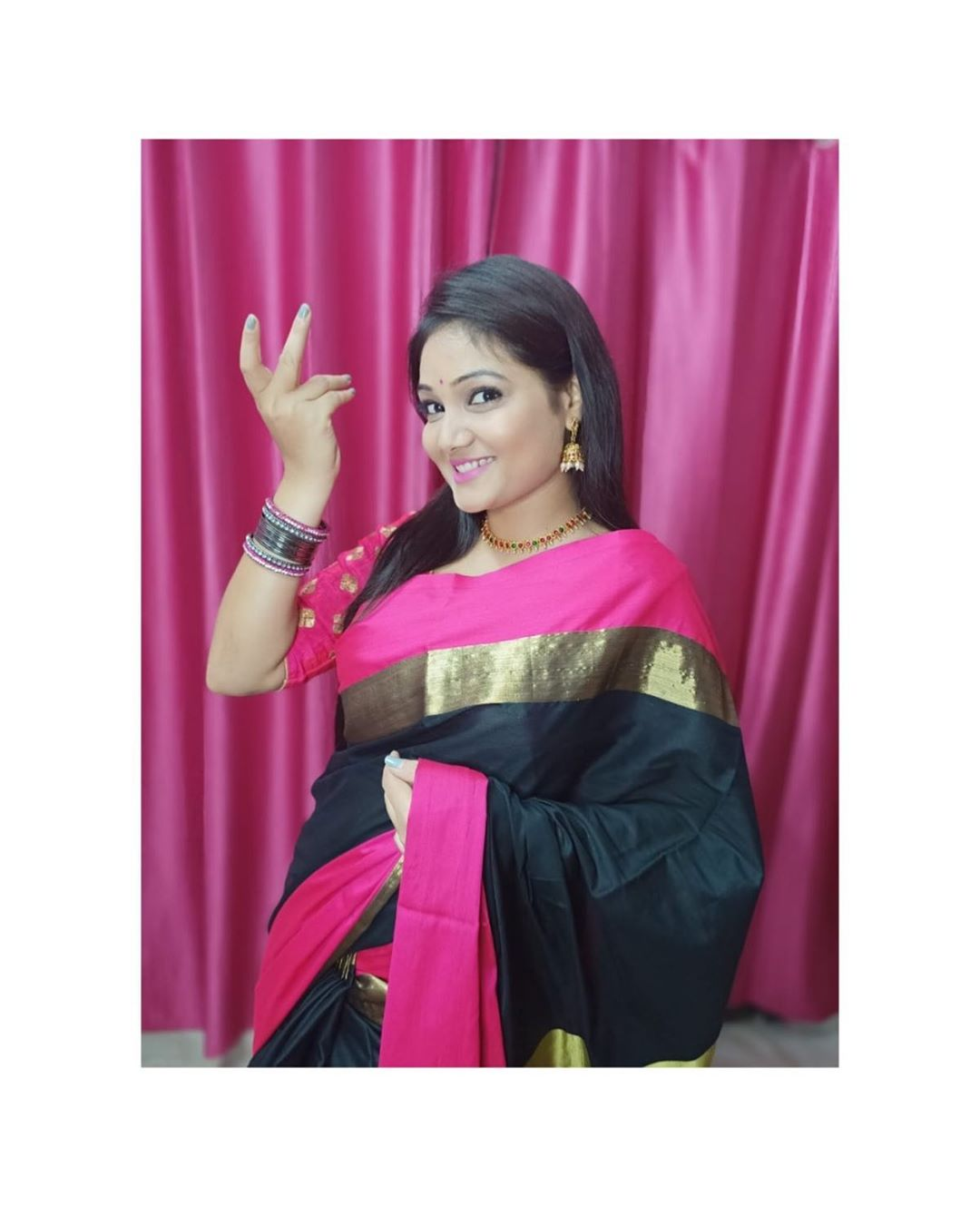 priyanka-nalkari-roja-serial-actress-25