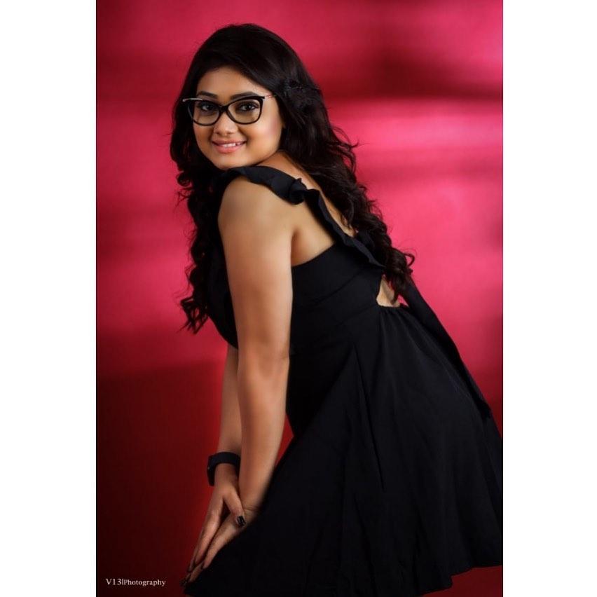 priyanka-nalkari-roja-serial-actress-5