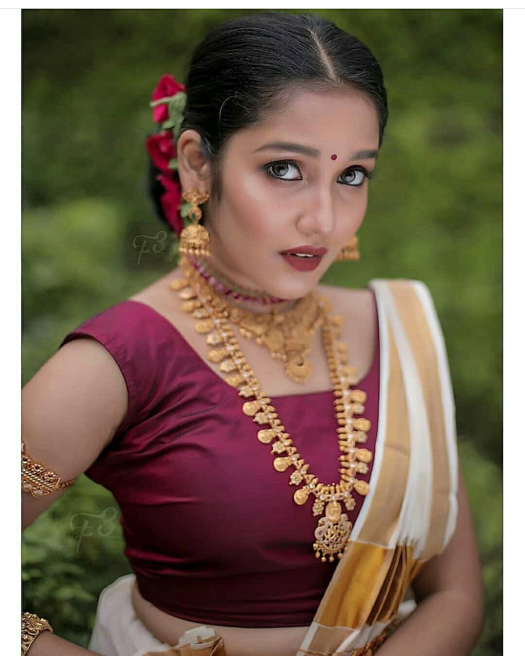 Anikha-Surendran-12