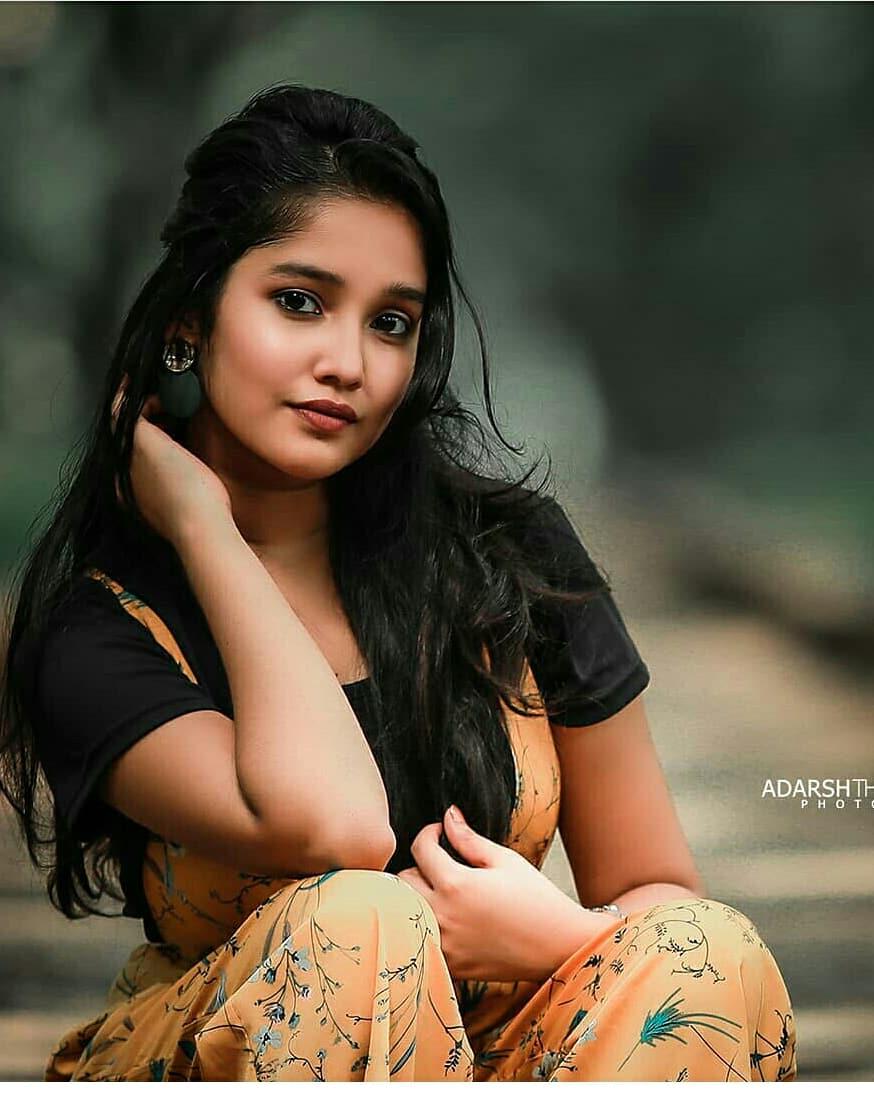 Anikha-Surendran-15
