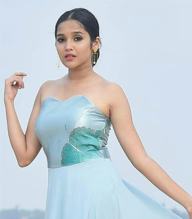 Anikha-Surendran-4