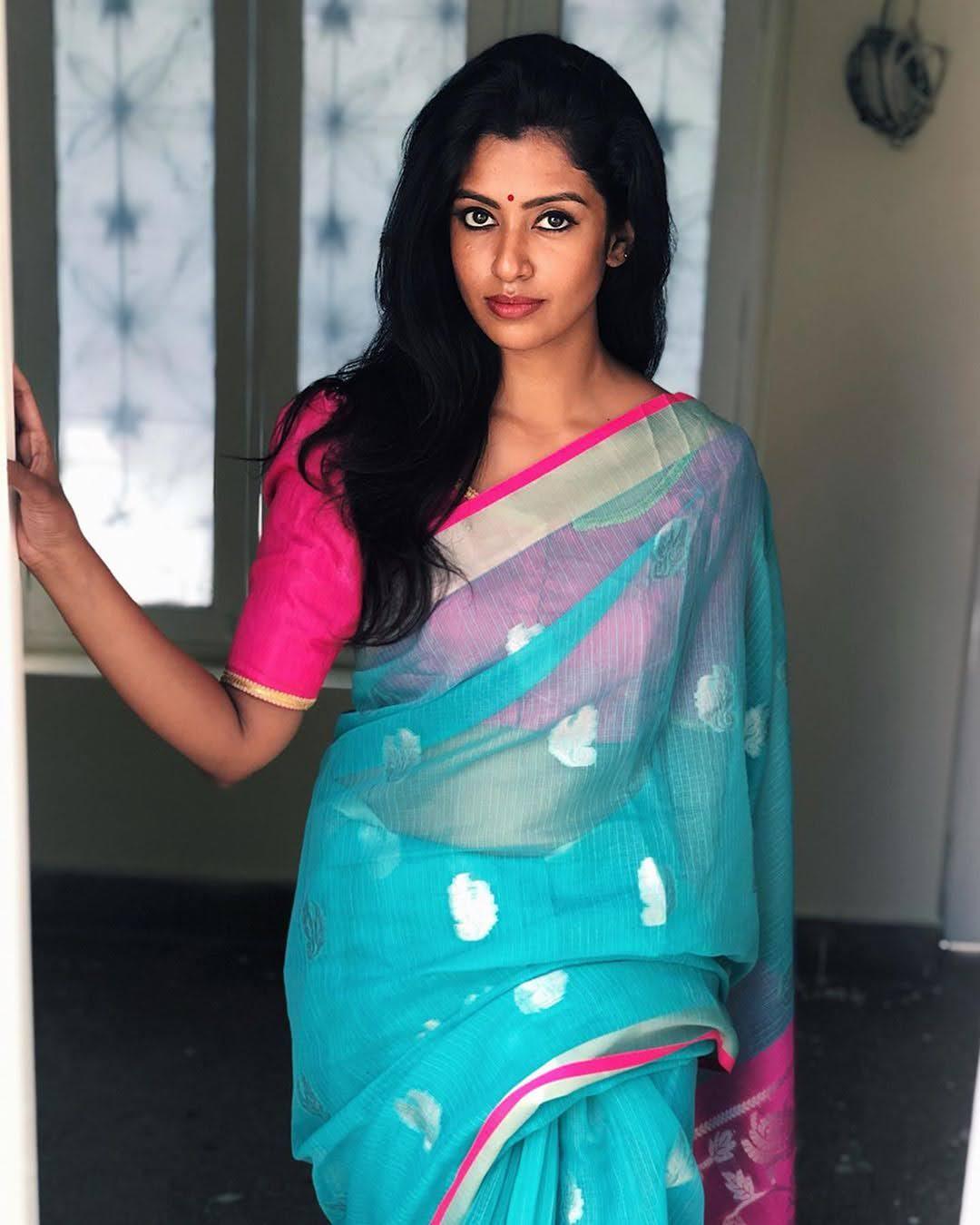Bharathi-Kannamma-Serial-Actress-Roshini-Haripriyan-34