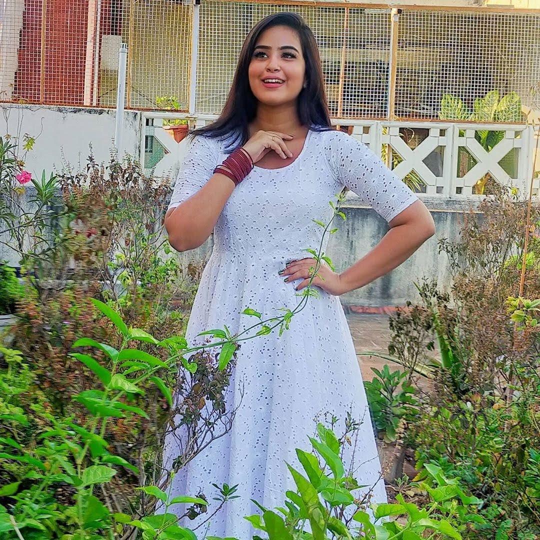Kanmani-Sweety-Manoharan-Bharathi-Kannamma-1