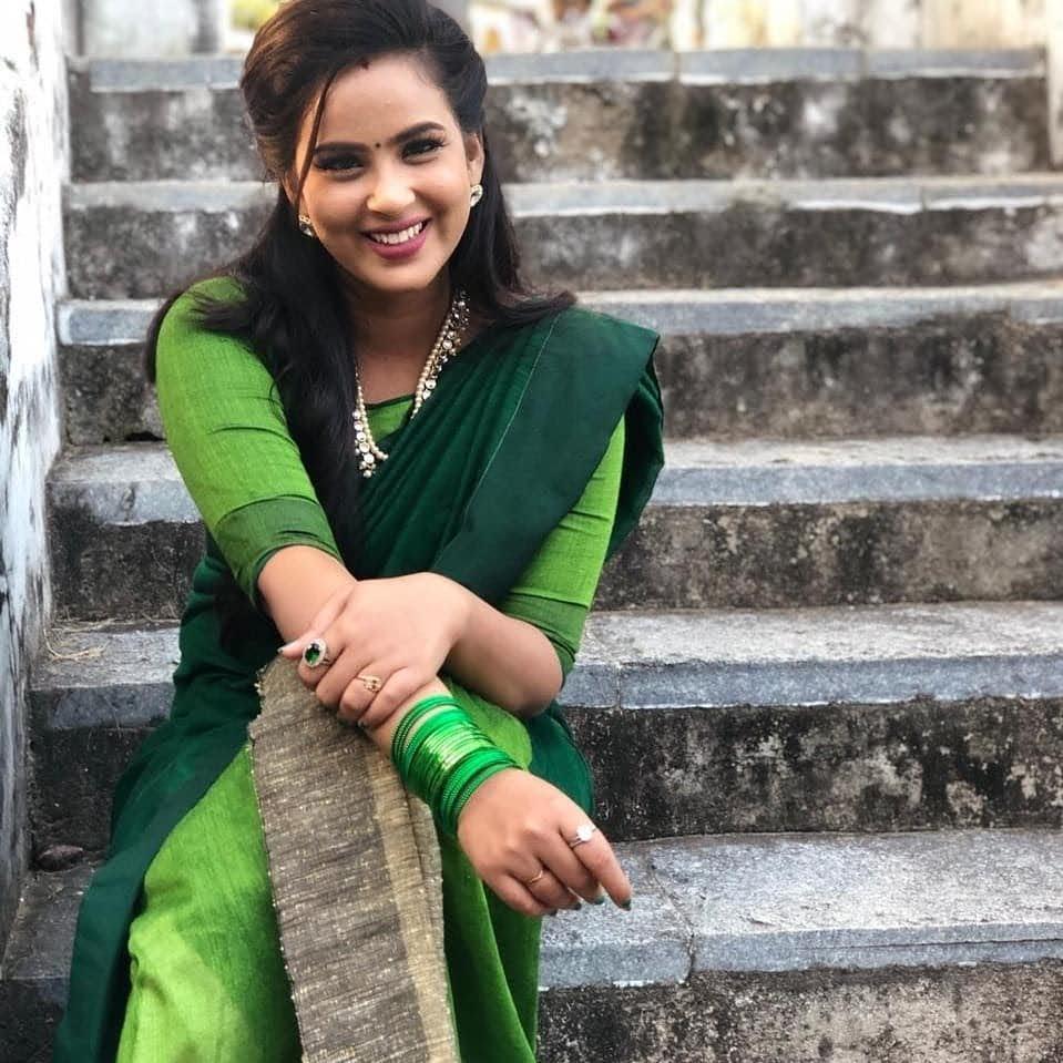 Kanmani-Sweety-Manoharan-Bharathi-Kannamma-24