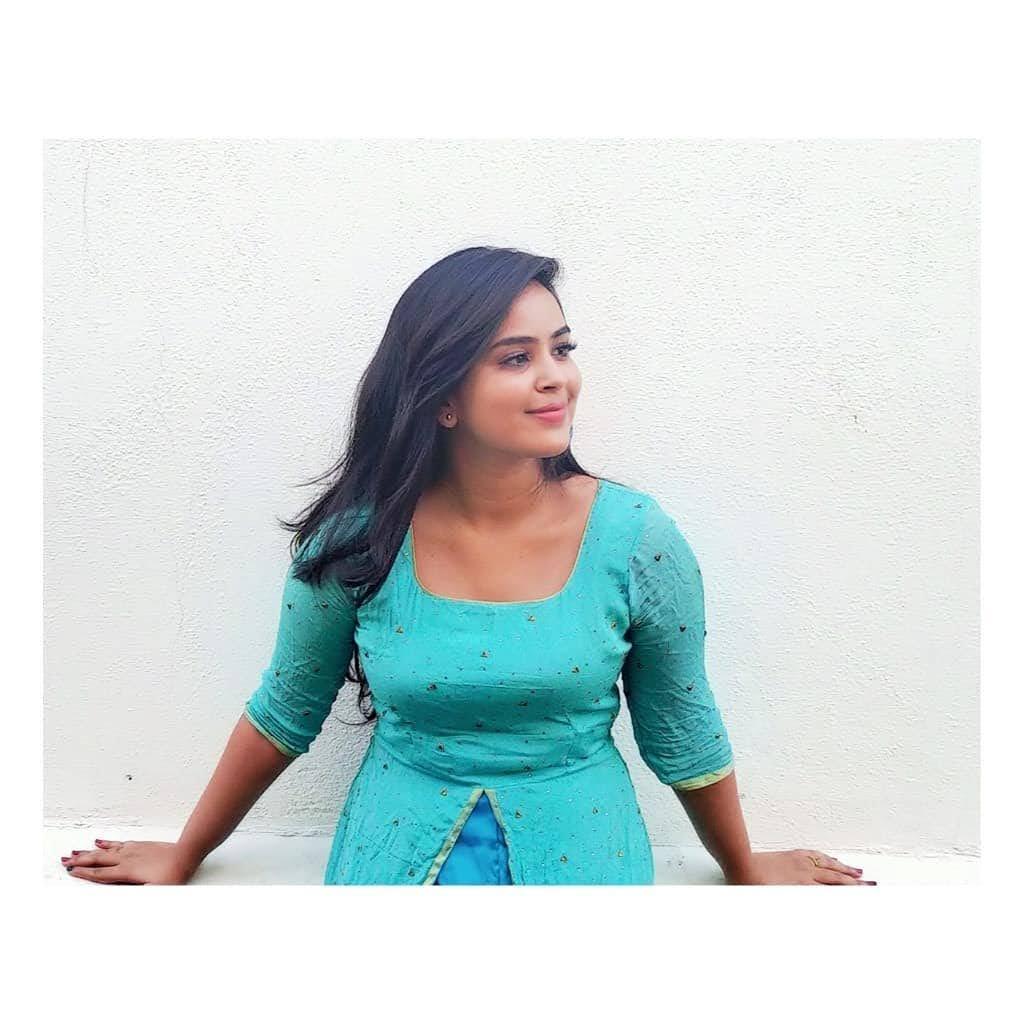 Kanmani-Sweety-Manoharan-Bharathi-Kannamma-60
