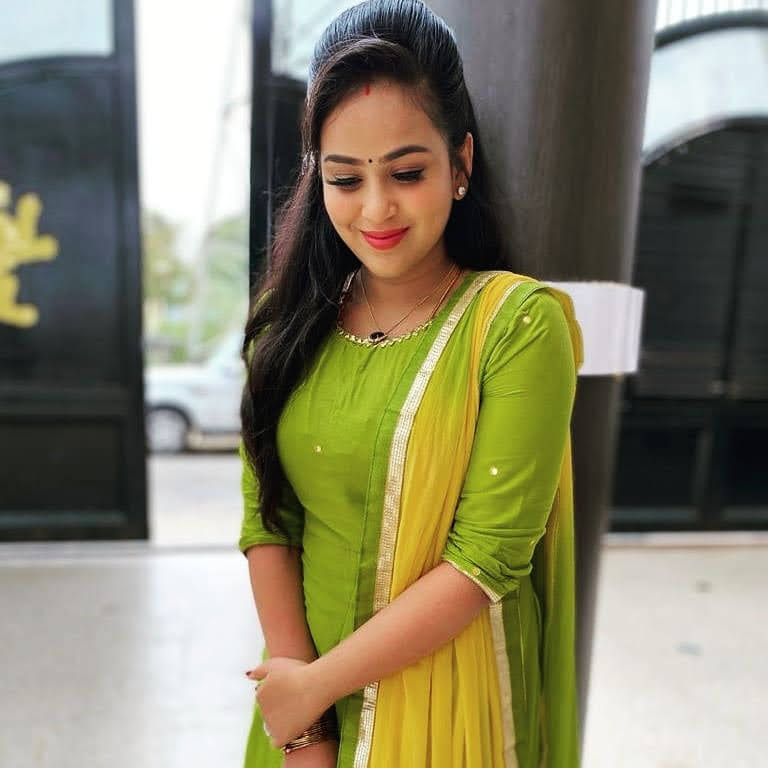 Kanmani-Sweety-Manoharan-Bharathi-Kannamma-78
