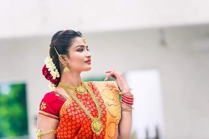Poove-Poochudava-Reshma-1