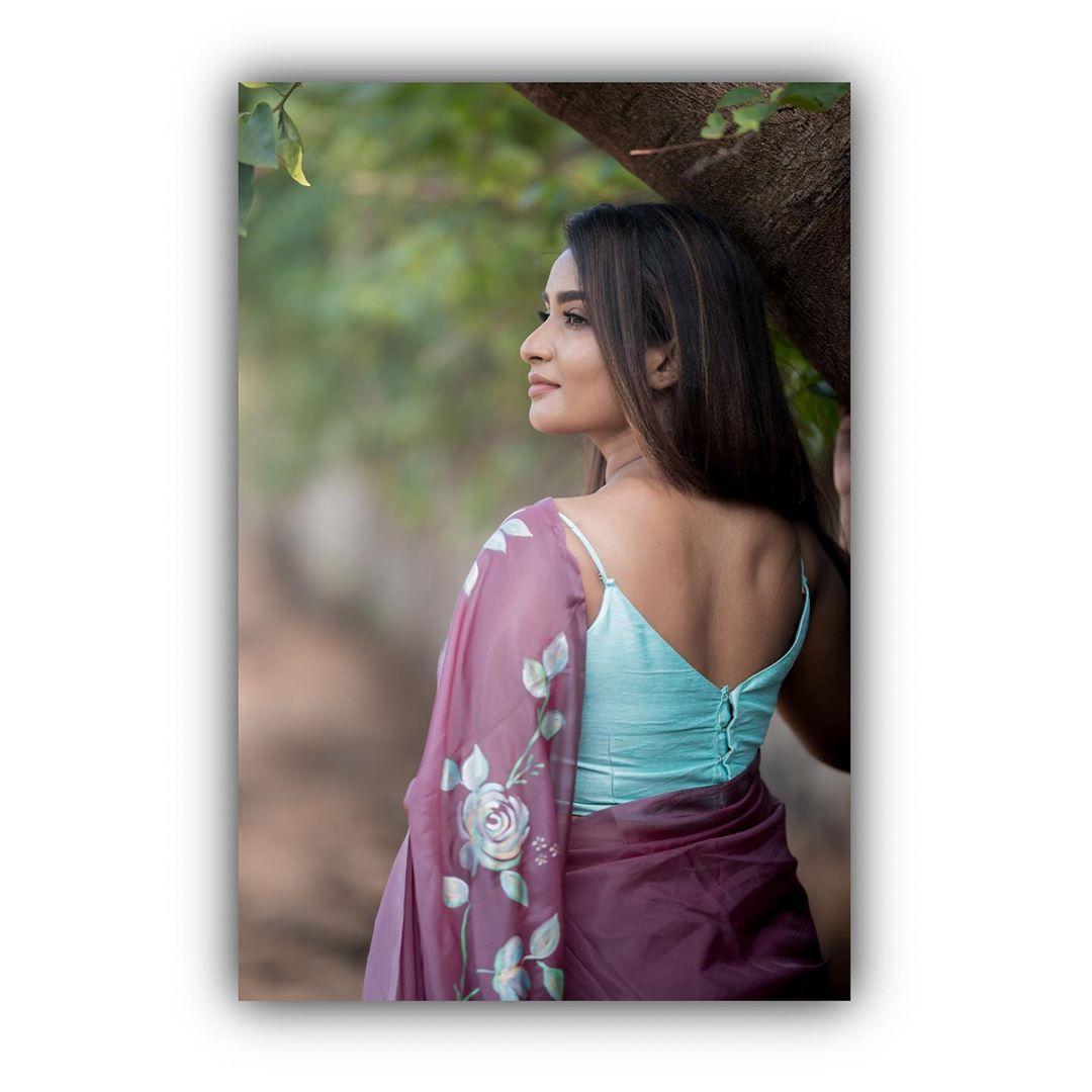 Poove-Poochudava-Reshma-13