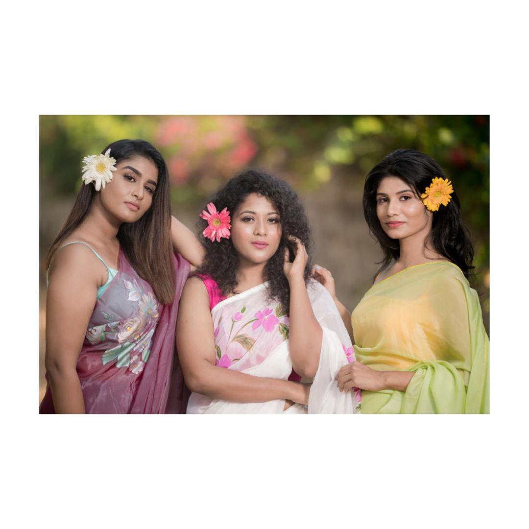 Poove-Poochudava-Reshma-14