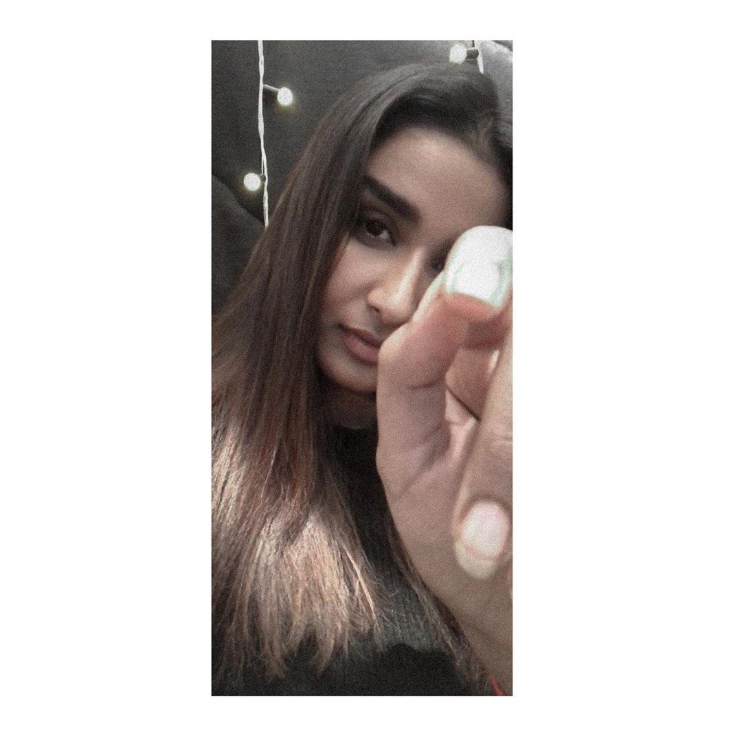 Poove-Poochudava-Reshma-17