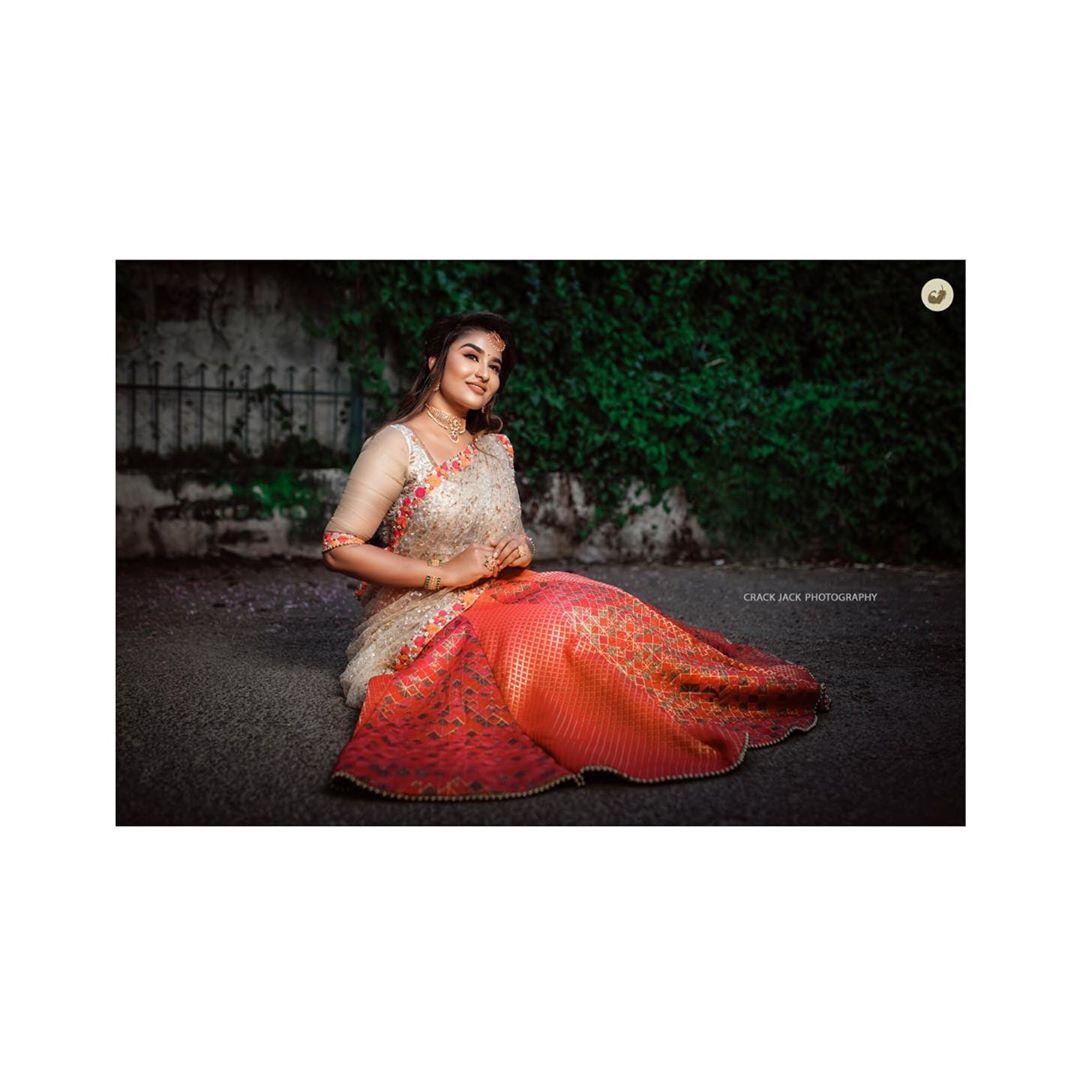 Poove-Poochudava-Reshma-19