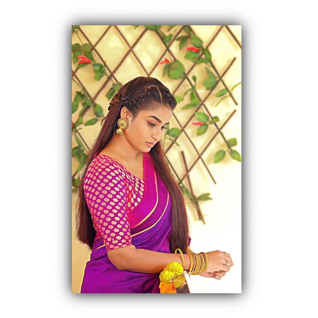 Poove-Poochudava-Reshma-34