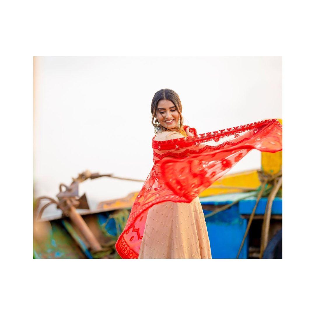 Poove-Poochudava-Reshma-5