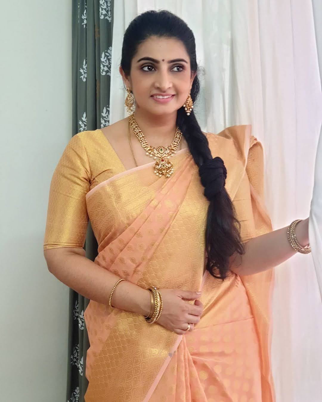 Sujitha-saree-33