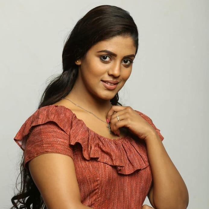 actress-ineya-2