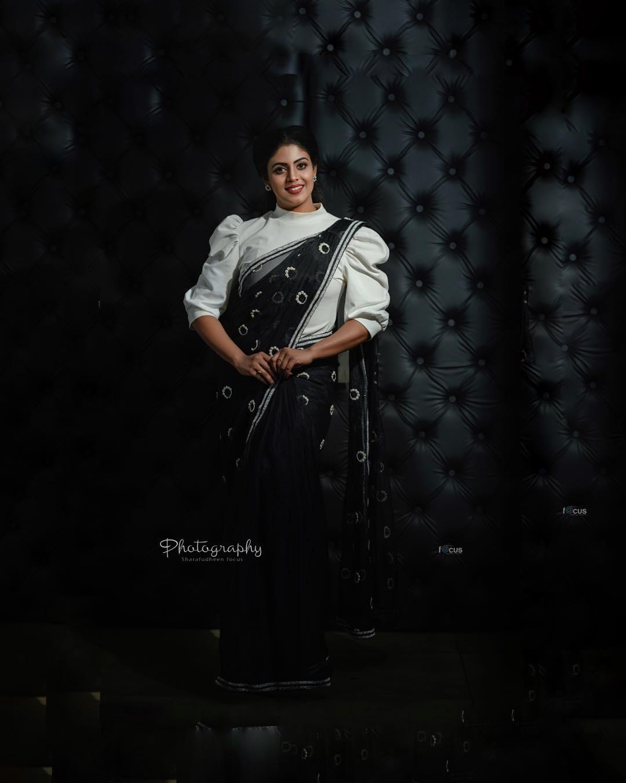actress-ineya-3