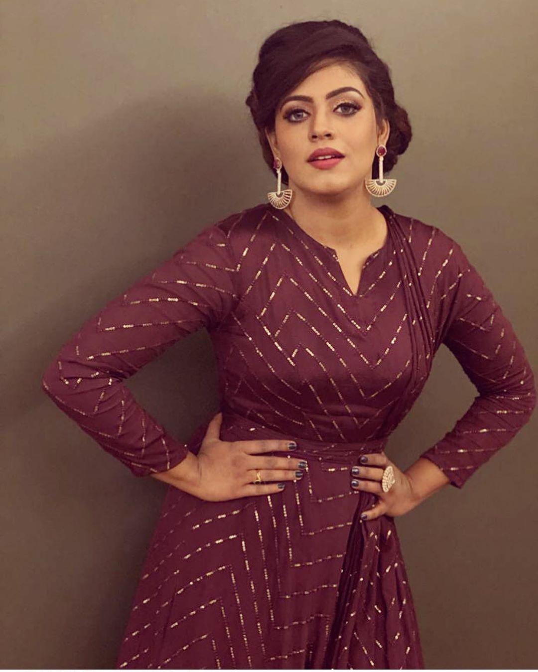 actress-ineya-47