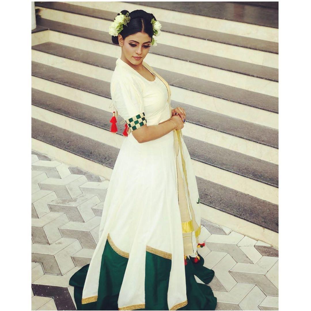 actress-ineya-55