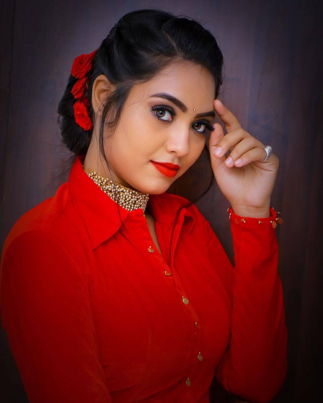 pavithra-janani-64643