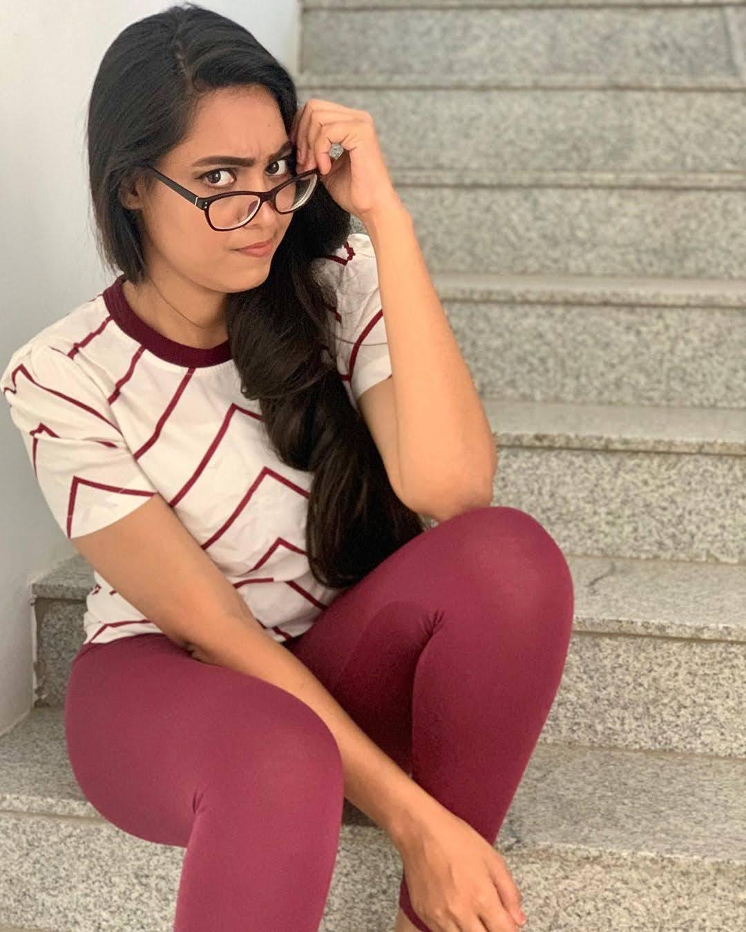 pavithra-janani-64673