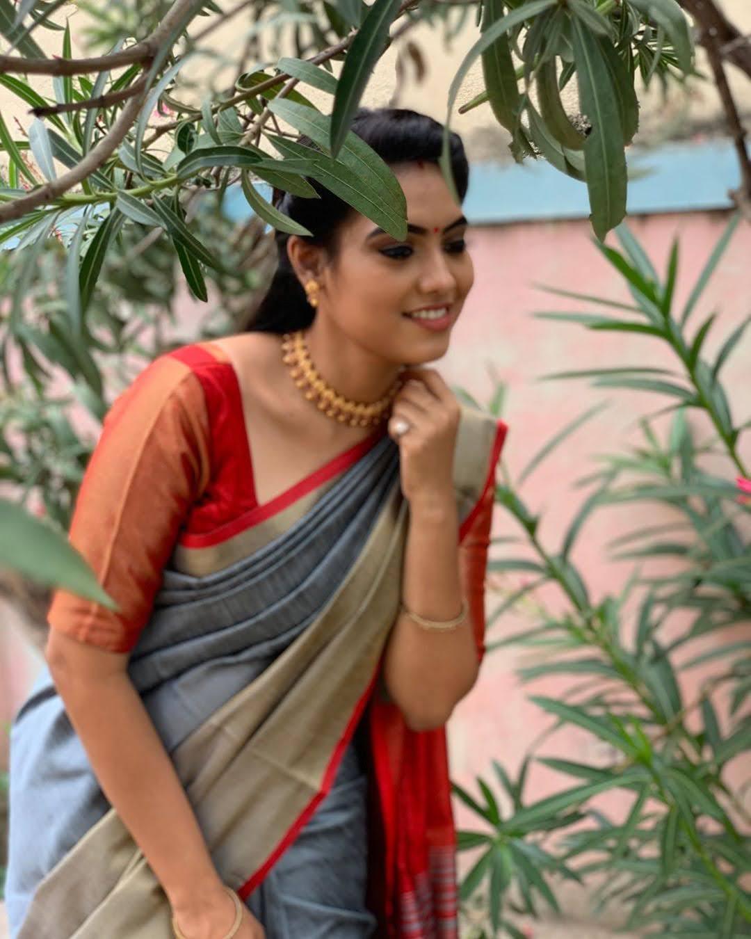 pavithra-janani-64686