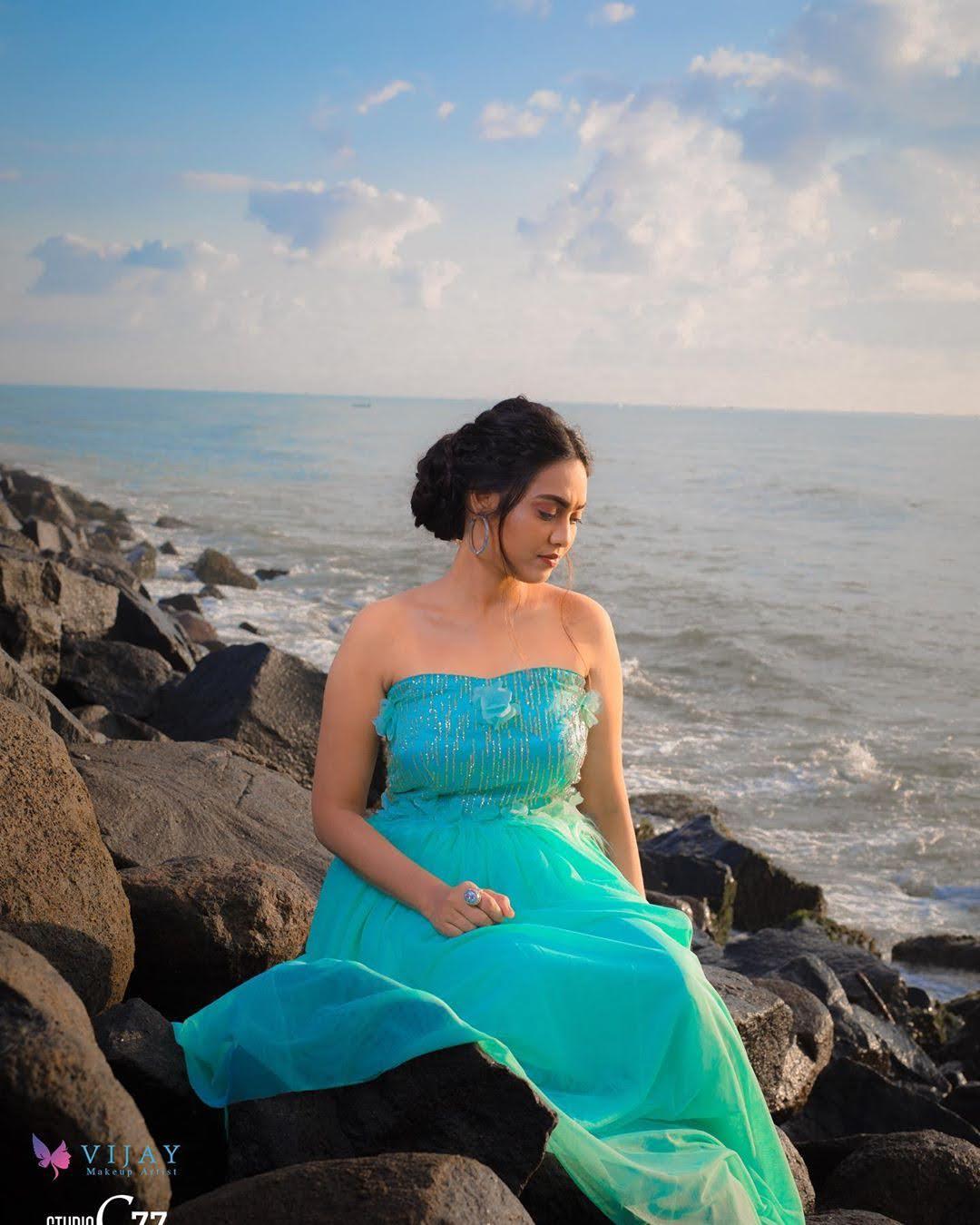 pavithra-janani-64689