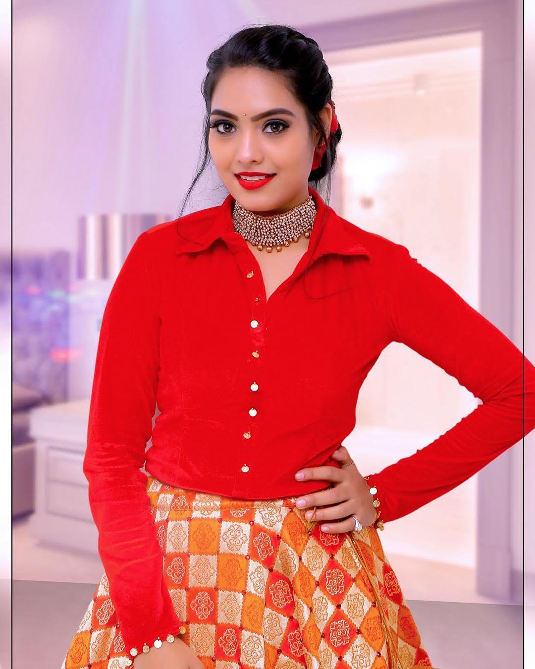 pavithra-janani-64692